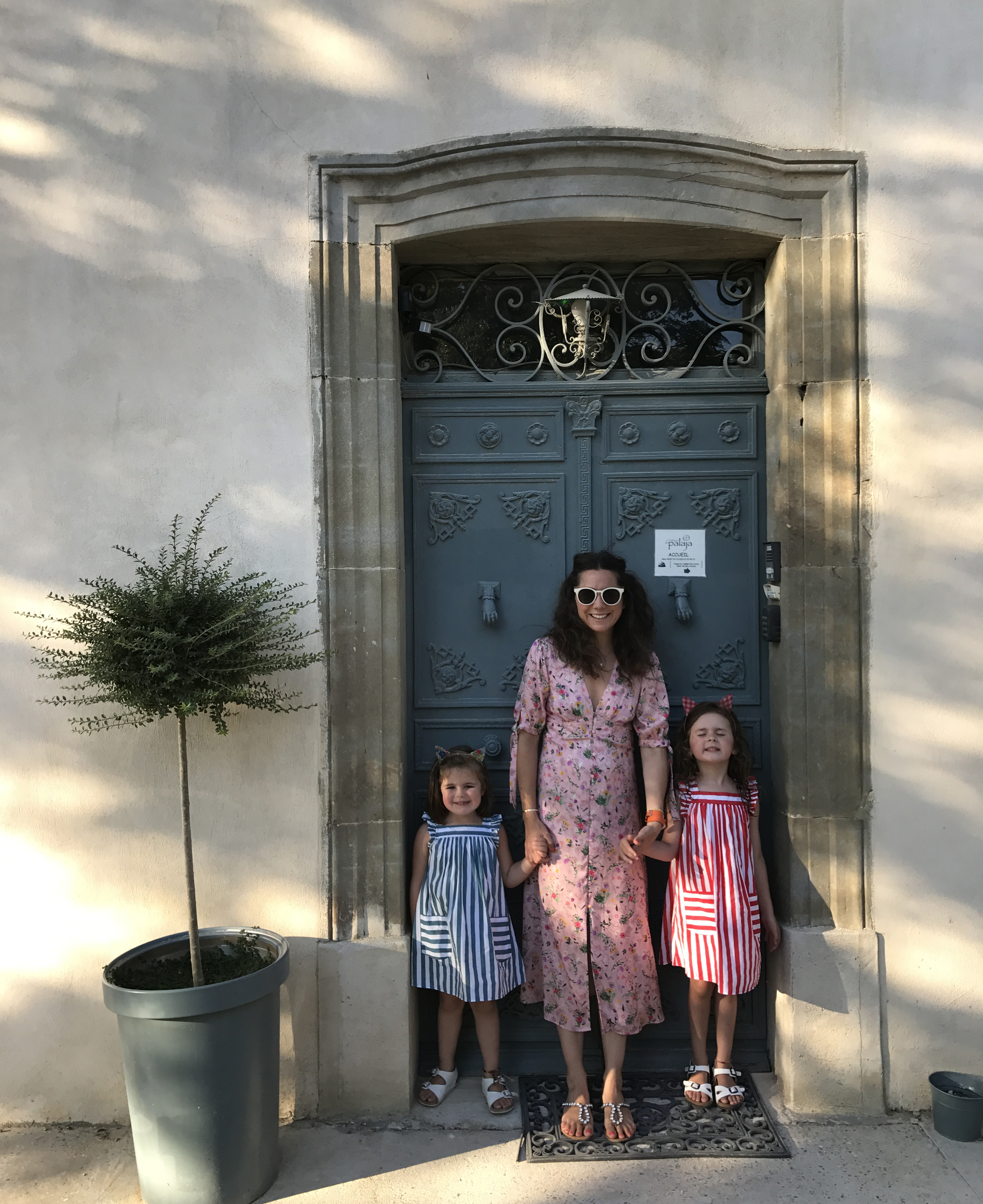 Alice-Olins-and-daughters.jpg